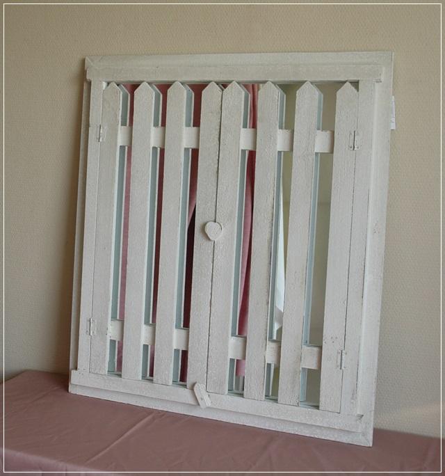 landhaus wandspiegel mit fensterladen spiegel wei holz used look garderobe neu ebay. Black Bedroom Furniture Sets. Home Design Ideas